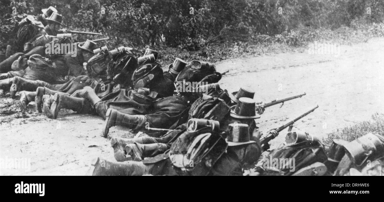 Belgian soldiers defending a road, WW1 Stock Photo: 66161374 - Alamy