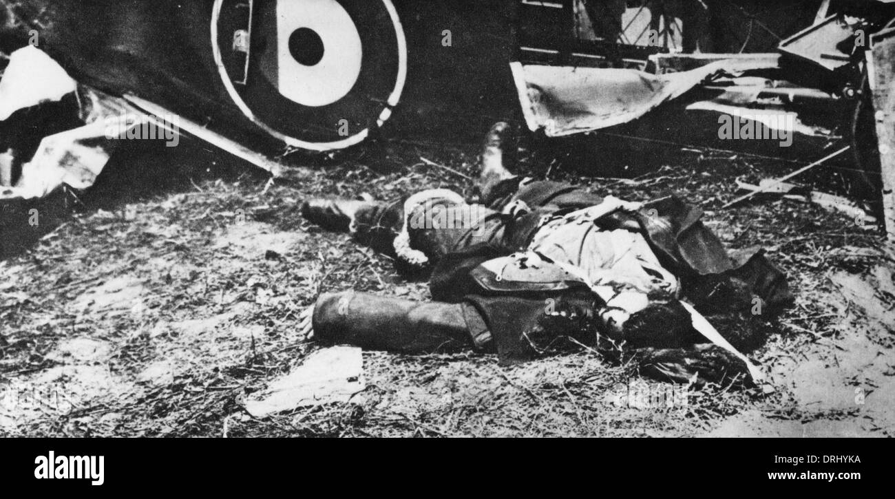 British Plane Crash With Dead Pilot Ww1 Stock Photo