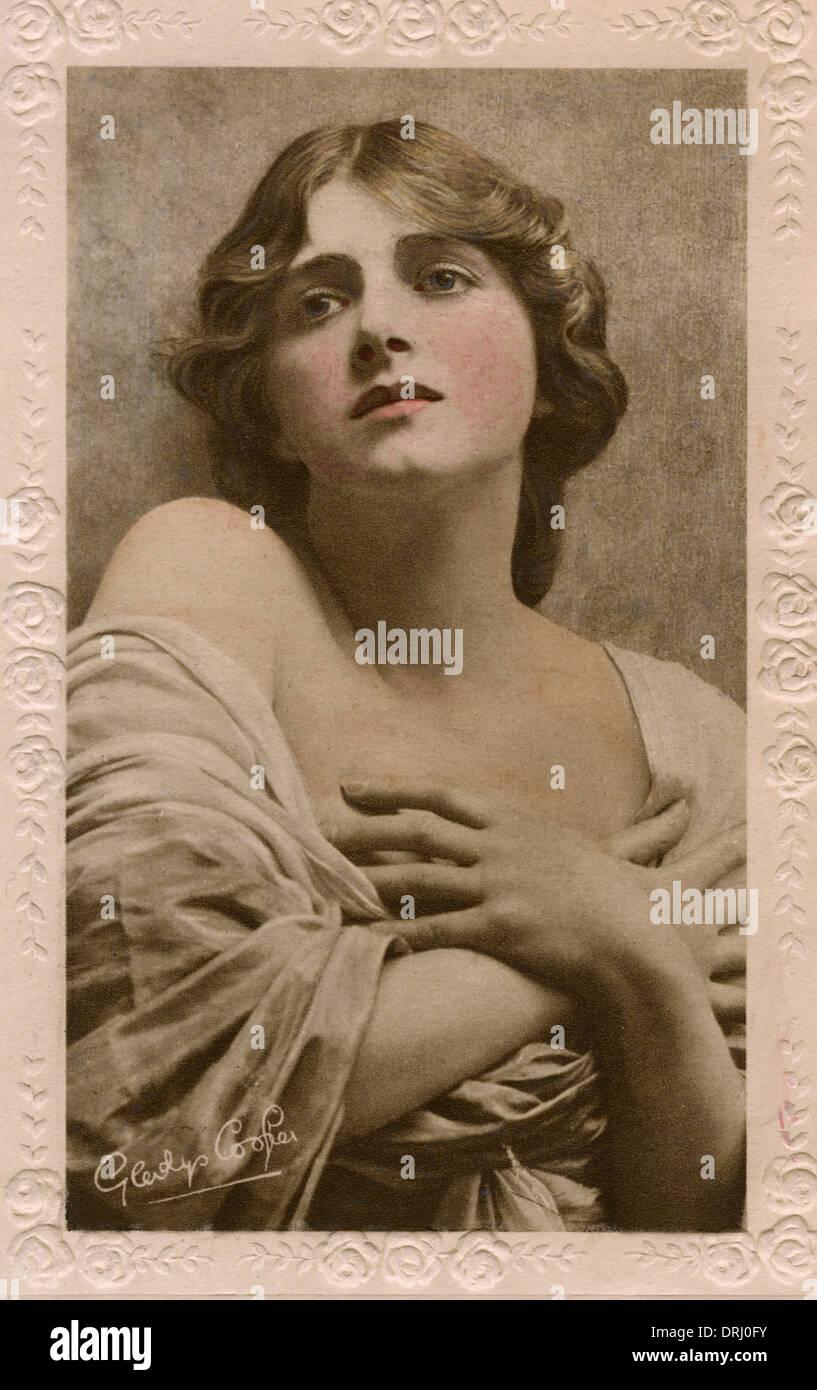 Rita Tushingham (born 1942) Adult images Robert Brown (1921?003),Ellie Kendrick (born 1990)