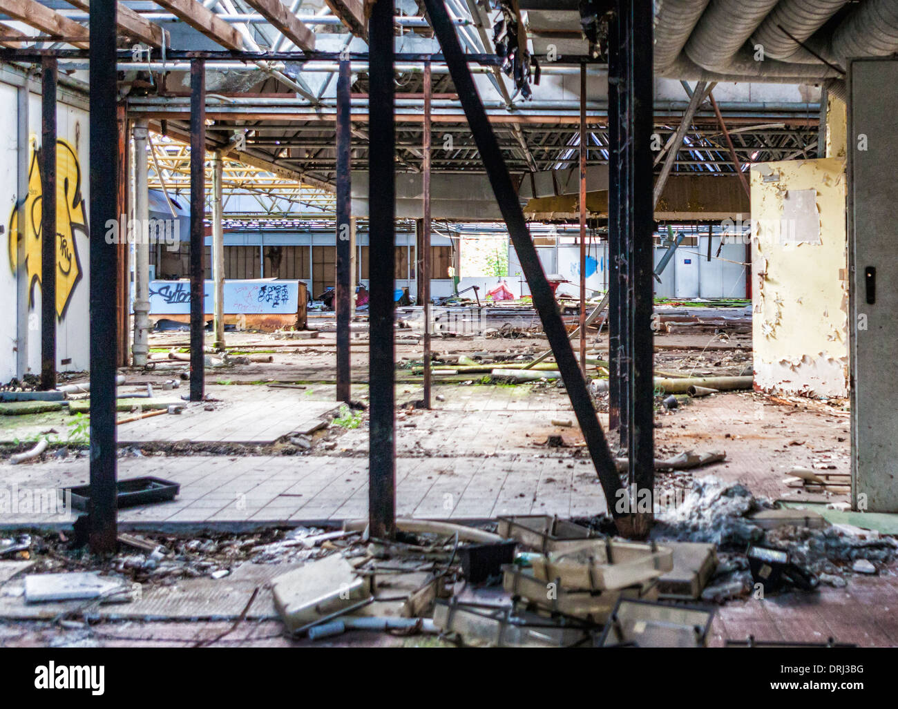 Buildings are derelict, closed and disused in the abandoned Spreepark amusement park, Plånterwald, Treptow-Kopernick, Berlin - Stock Image