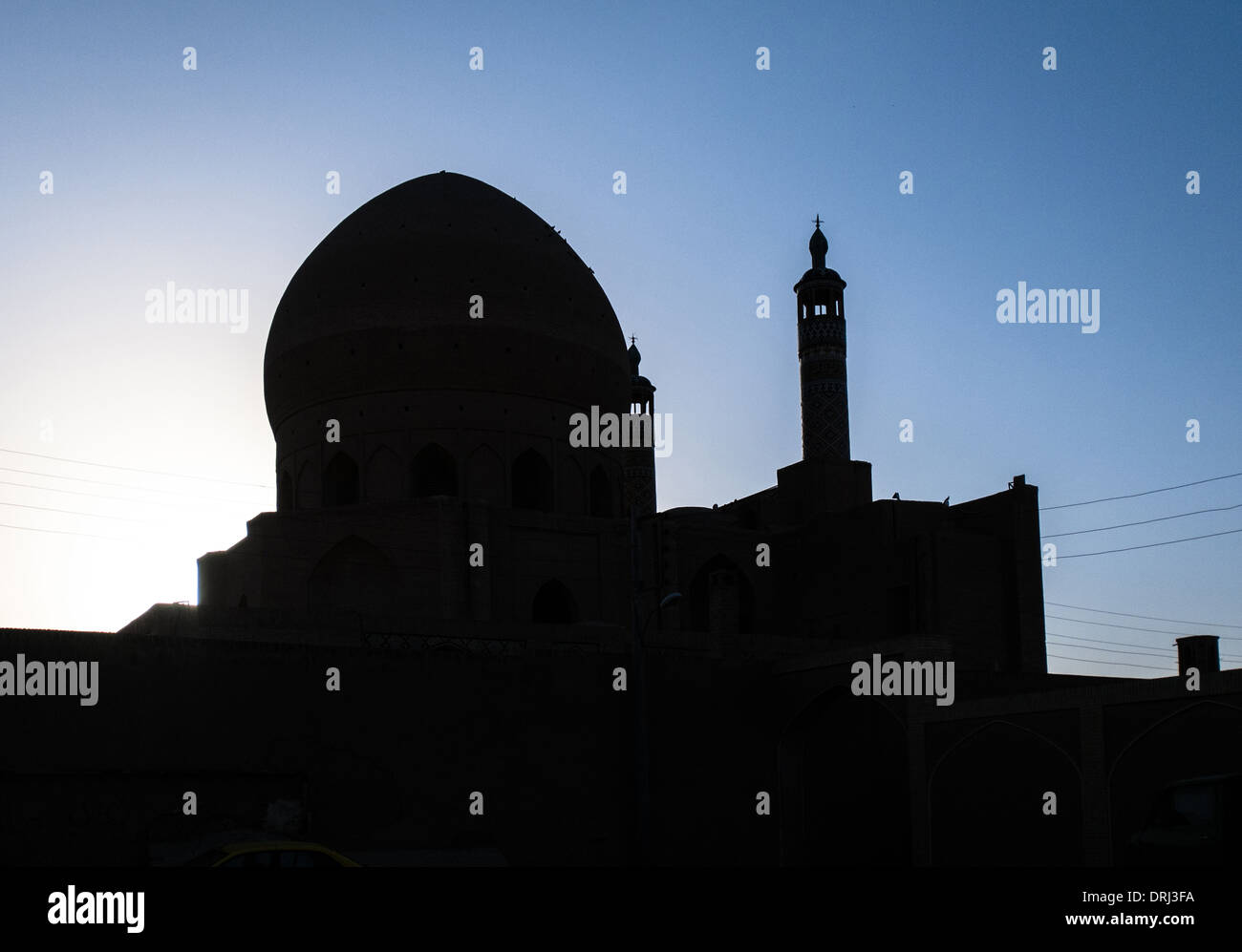 Silhouette of mosque in Kashan, Ostan-e Esfahan, Iran - Stock Image