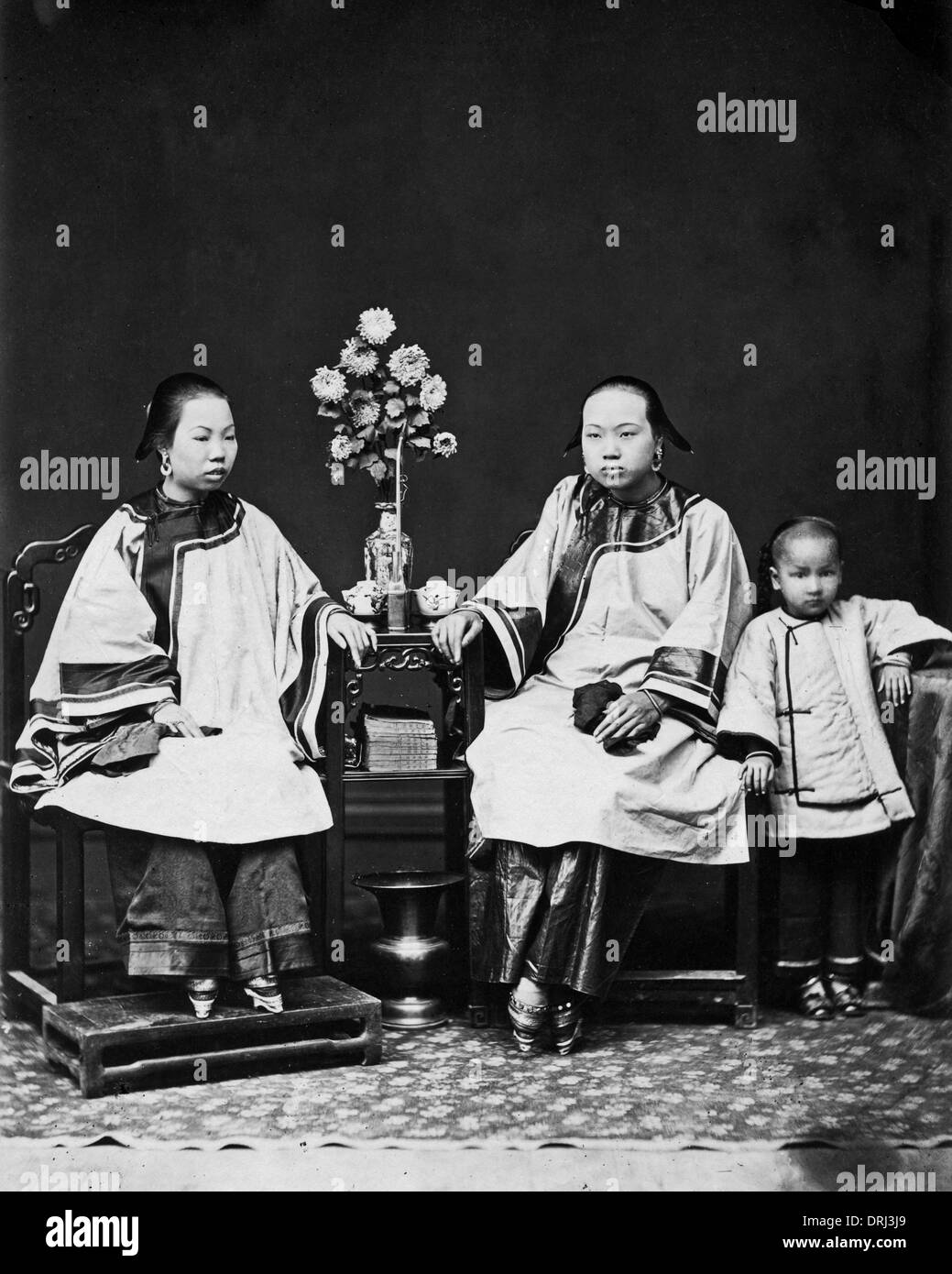 Chinese women with bound feet - Stock Image