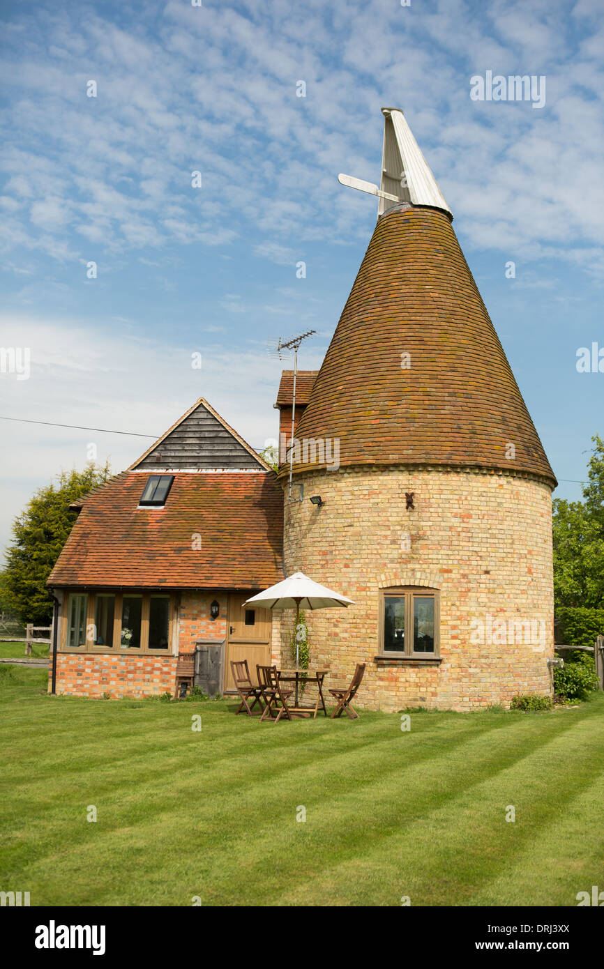 Oast house in Kent Sto...