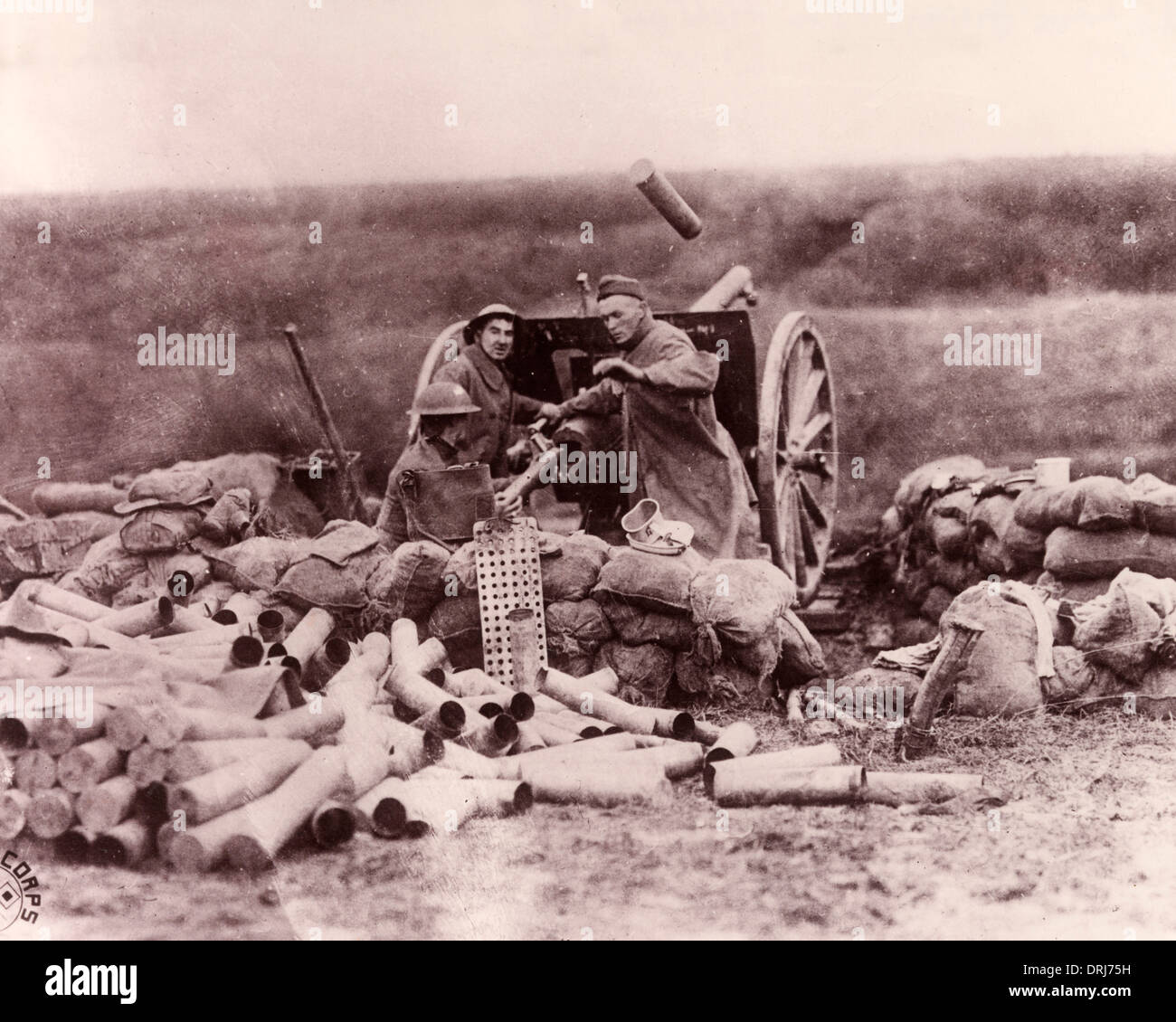 American troops with 75 mm French field gun, France, WW1 - Stock Image