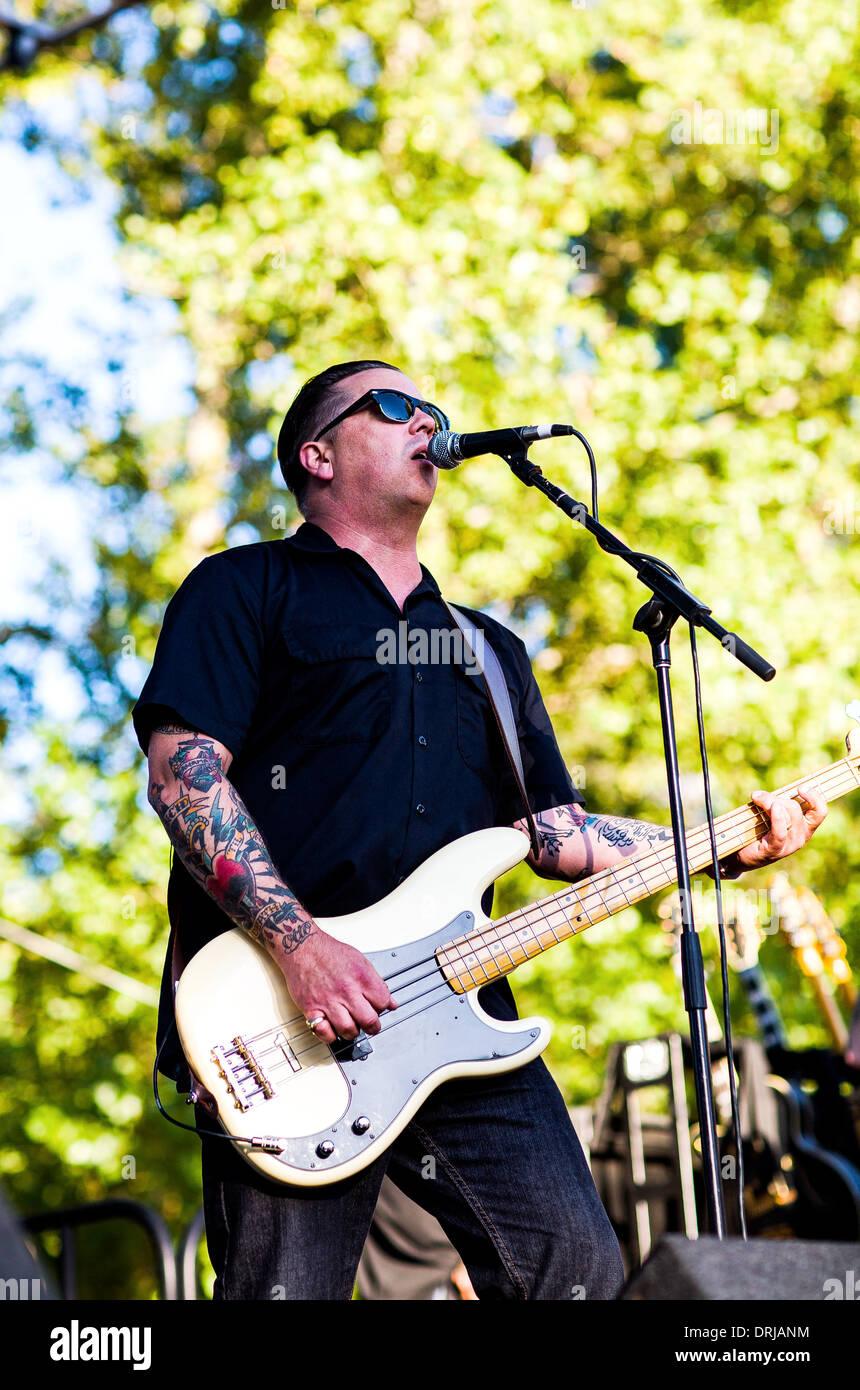 Rock Bassist Stock Photos & Rock Bassist Stock Images - Alamy