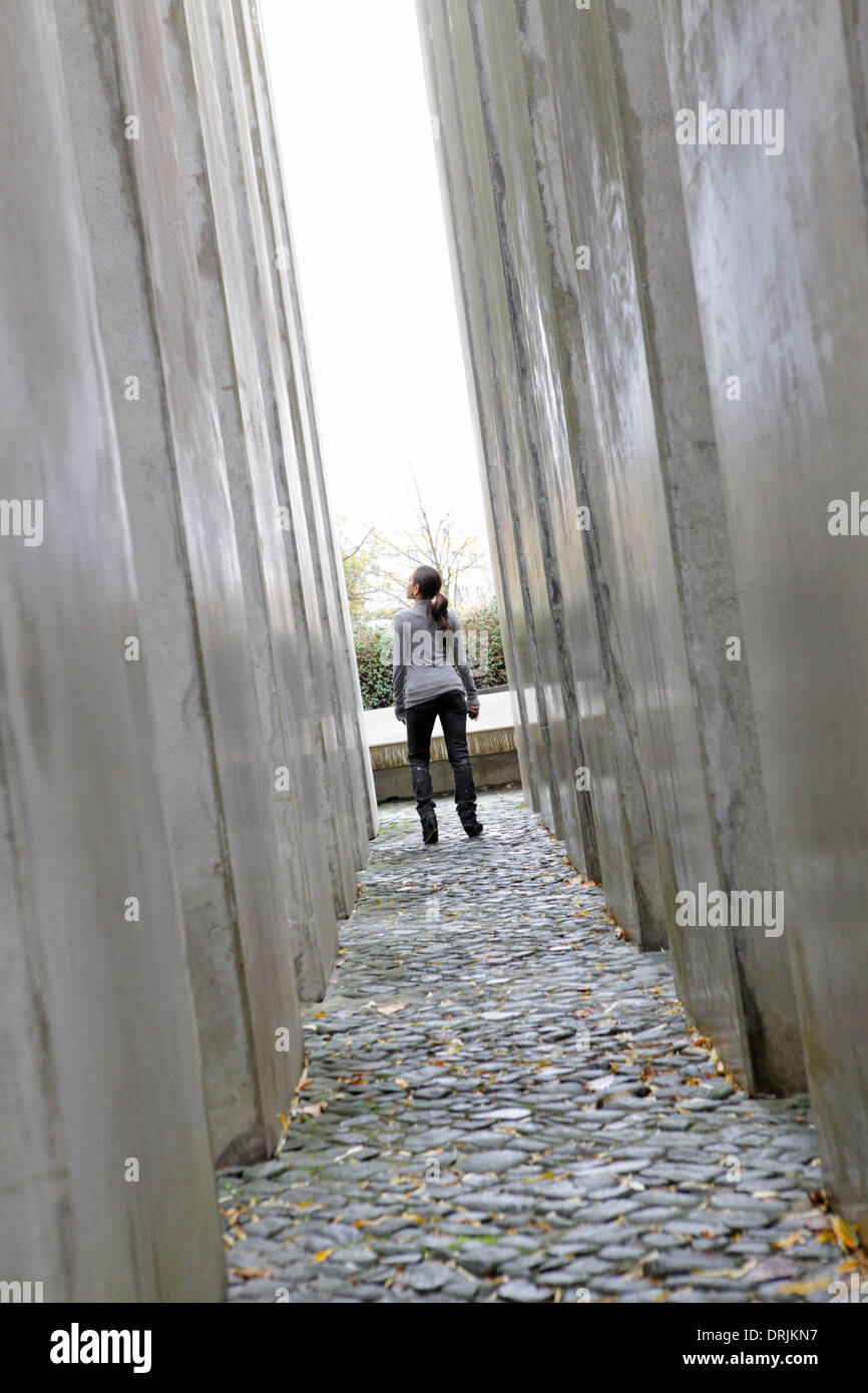A corridor of pillars in The Garden of Exile at Jewish Museum, Berlin, Germany - Stock Image