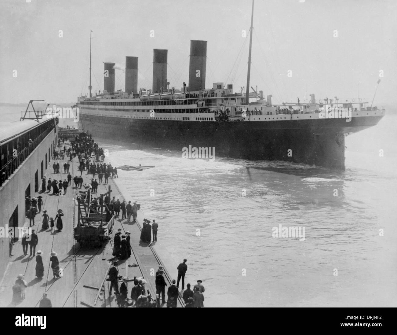Titanic leaving Southampton - Stock Image