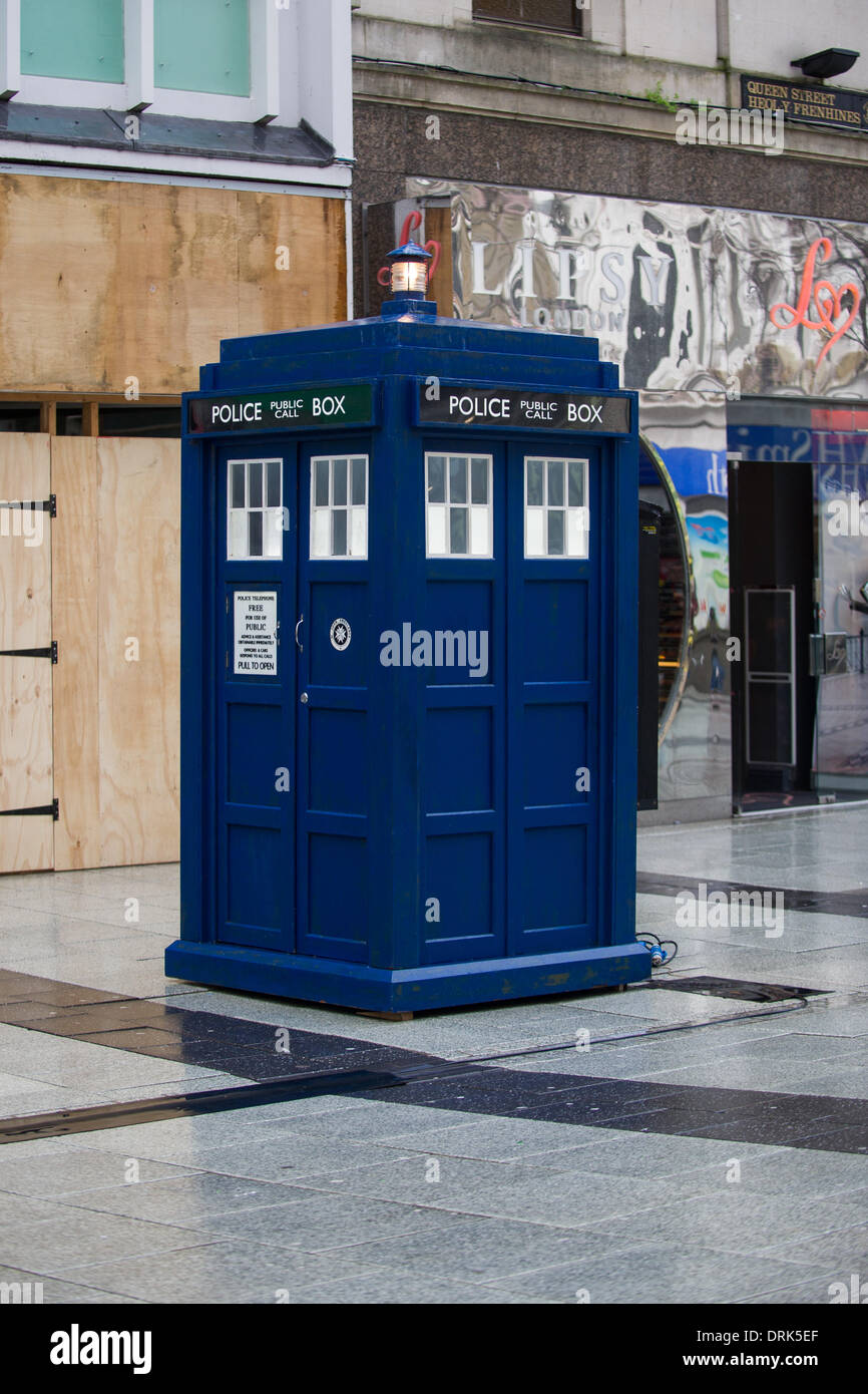 Cardiff, Wales, UK. 28th January 2014. The TARDIS is spotted on the set of Doctor Who while filming his new role as the Twelfth Doctor on Queen Street in Cardiff. Credit:  Polly Thomas / Alamy Live News - Stock Image