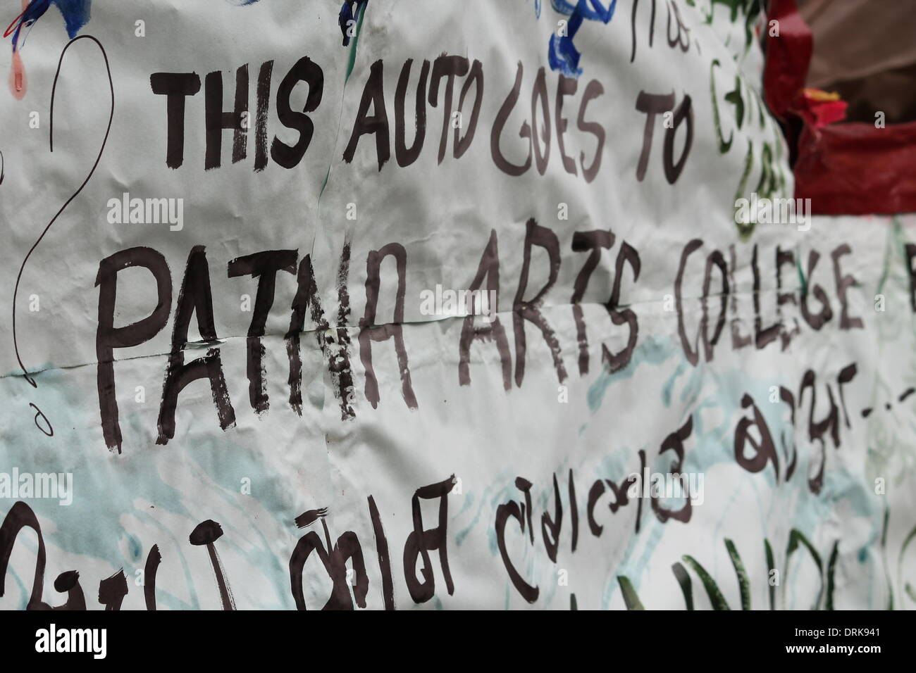 Patna College of Arts and Crafts, Chajju Bagh, Patna, Bihar, India, 28th January 2014. Students and visitors written comments on the body of an Auto at the campus of the Patna College of Arts and Crafts at Tuesday winter morning on the occasion of final day of 75th Foundation Day of the College. The exhibition showcased many Paintings, Photography and Sculptures created by the budding students. Visitors both domestic as well as foreigner enjoyed the Art works. Students danced, sang song and celebrated togetherness in a gala function. In spite of great Art work the Artists do not have any marke - Stock Image