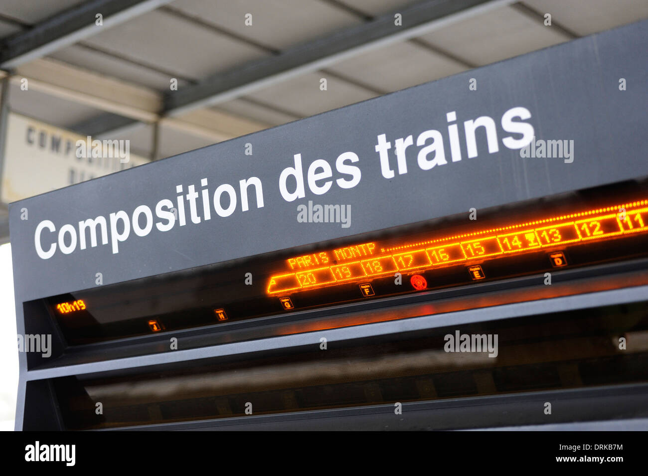 Stock Photo of train platform sign in France - Stock Image
