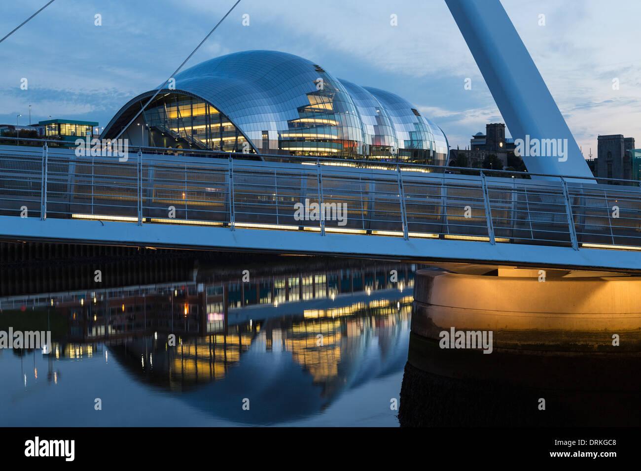 The Sage and Tyne bridges at dusk, Newcastle on Tyne, England - Stock Image