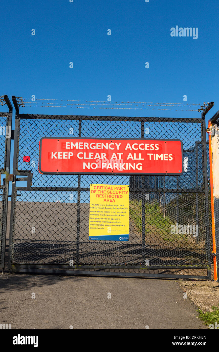 Manchester airport perimeter safety security fence - Stock Image