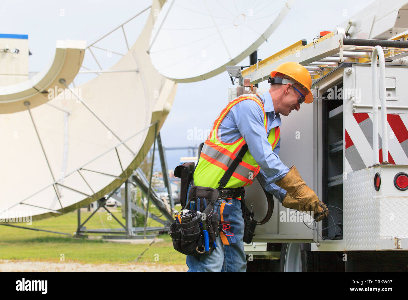 Pulling Wire Stock Photos & Pulling Wire Stock Images - Alamy