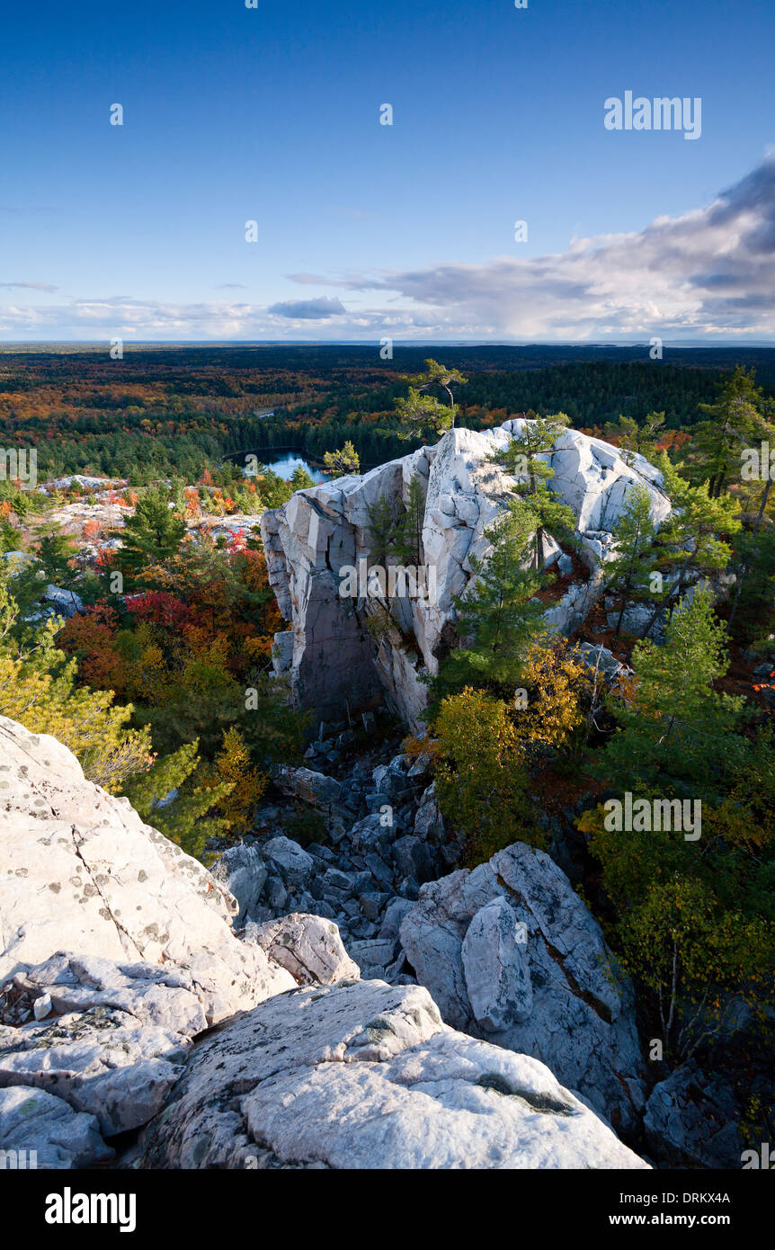 Incredible rock formations and autumn colour as seen from 'The Crack' hiking trail in Killarney Provincial Park, Ontario, Canada - Stock Image