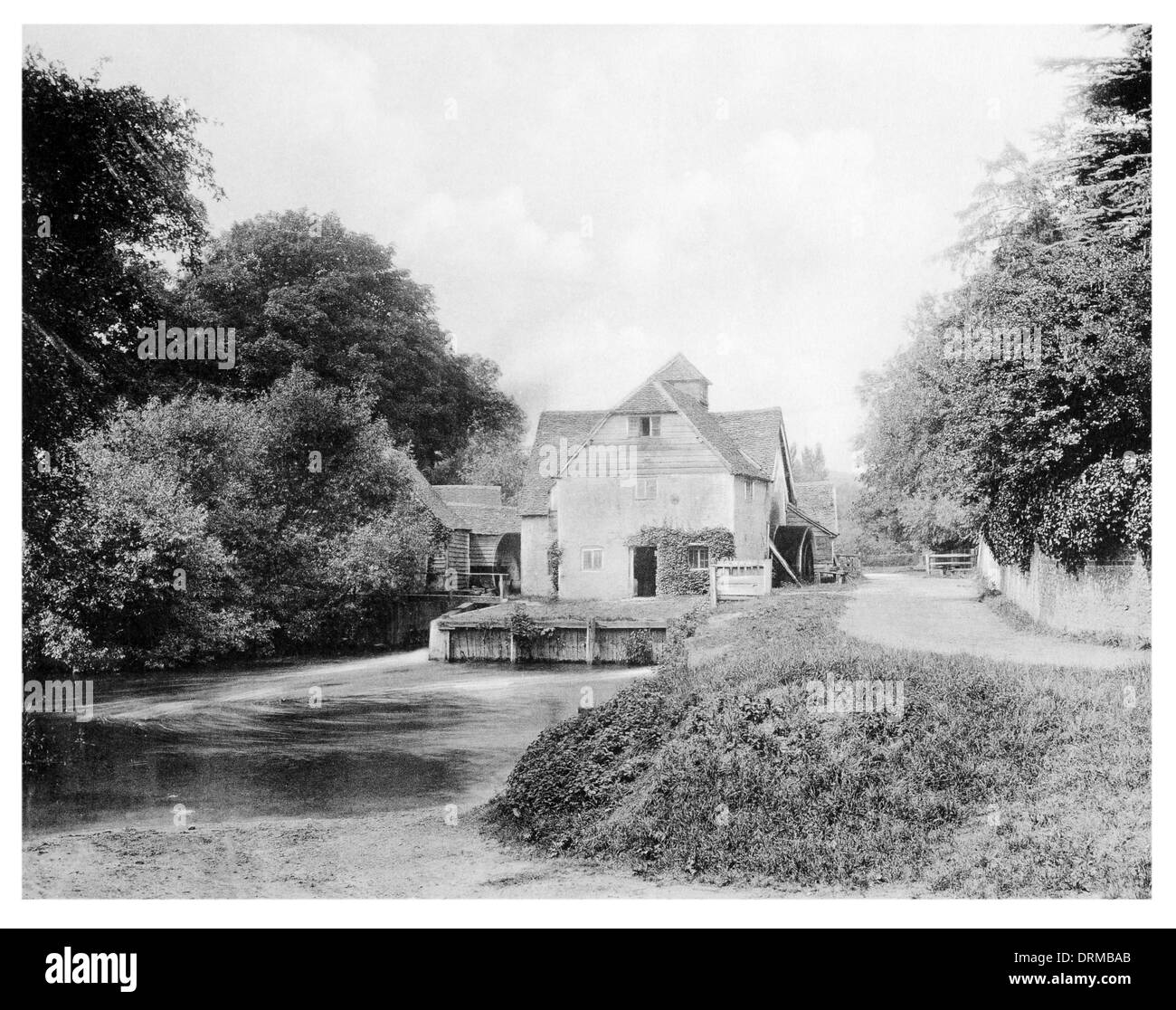 The Mill, Mapledurham watermilll on the river Thames, Oxfordshire Photographed Circa 1910 - Stock Image