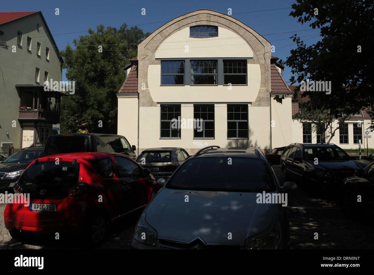 Horseshoe Haus. Faculty of Art and Design of the Bauhaus University ...