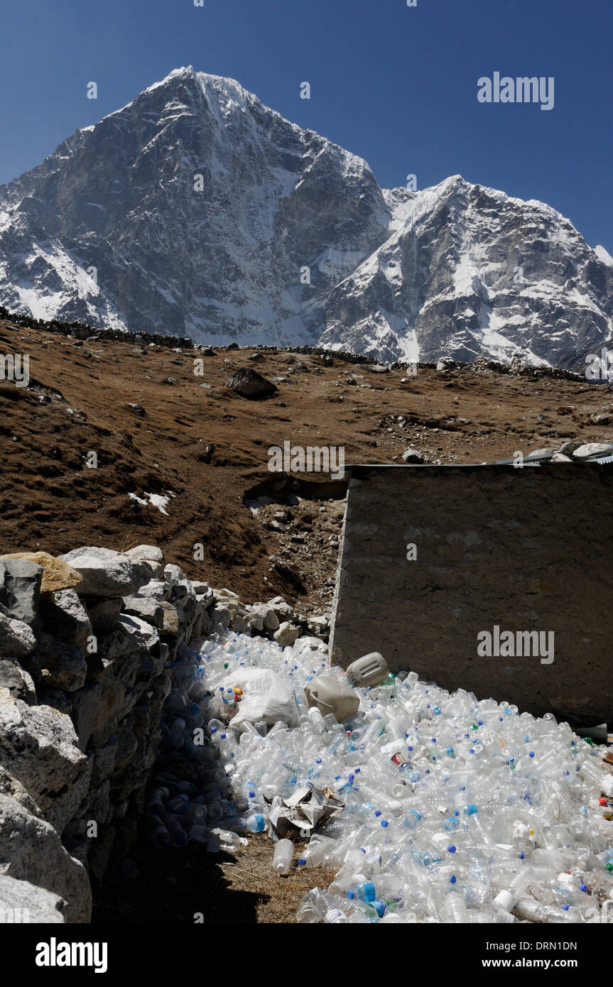 Plastic bottles problem at a tea house on the Everest Base Camp trek - Stock Image
