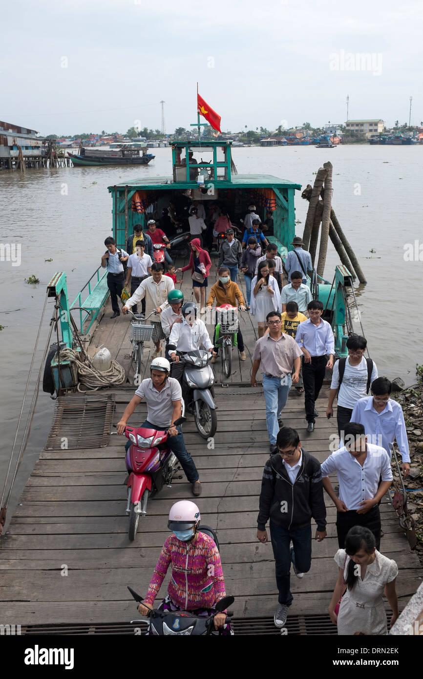 Passenger and Vehicle Ferry My Tho Vietnam - Stock Image