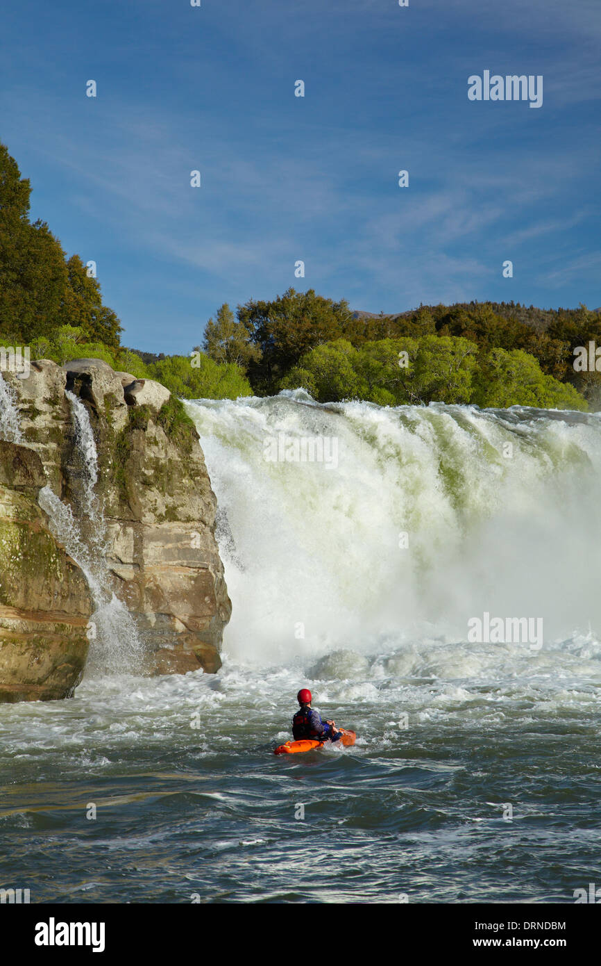 Whitewater kayaker at Maruia Falls, near Murchison, Tasman District, South Island, New Zealand - Stock Image