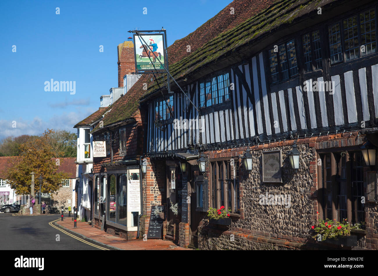 The George Inn dates from the 14th century, Alfriston village, County Sussex, England. - Stock Image