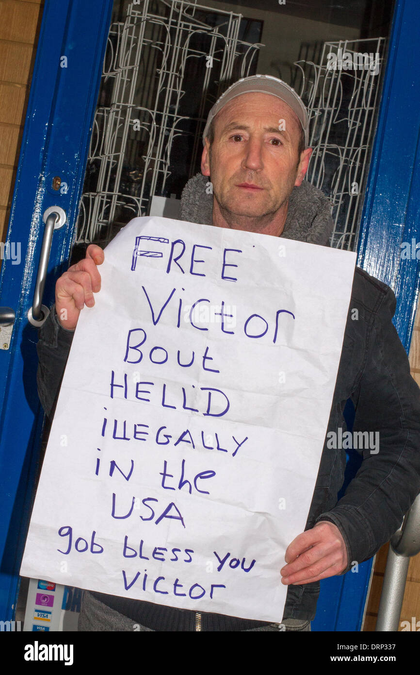 Manchester, UK 30th January, 2014.  Mr James Dooley campaigning for the release of Viktor Bout detained in America. A citizen of Russia, he was arrested in Thailand in 2008 extradited in 2010 to the United States to stand trial on terrorism charges  accused of intending to smuggle arms to the Revolutionary Armed Forces of Colombia (FARC) to use against U.S. forces.  In 2011, he was convicted by a jury in a Manhattan federal court of conspiracy to kill U.S. citizens and officials, deliver anti-aircraft missiles, and provide aid to a terrorist organization.   Credit:  Mar Photographics/Alamy Liv - Stock Image