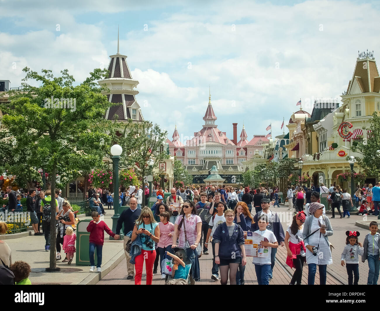 Main street, Disneyland Paris looking towards the park entrance and the Disneyland hotel Stock Photo
