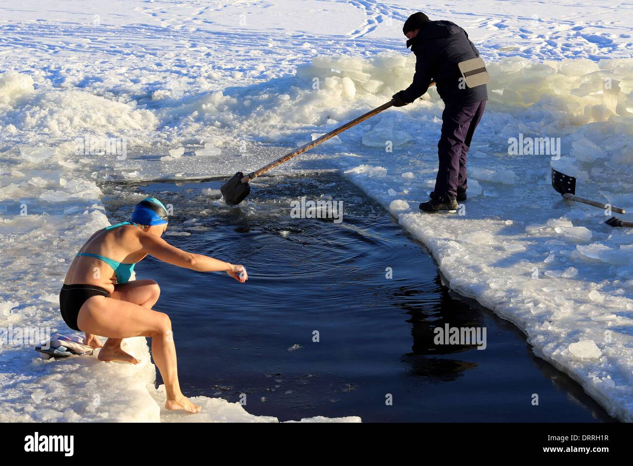 To swim in the winter in St