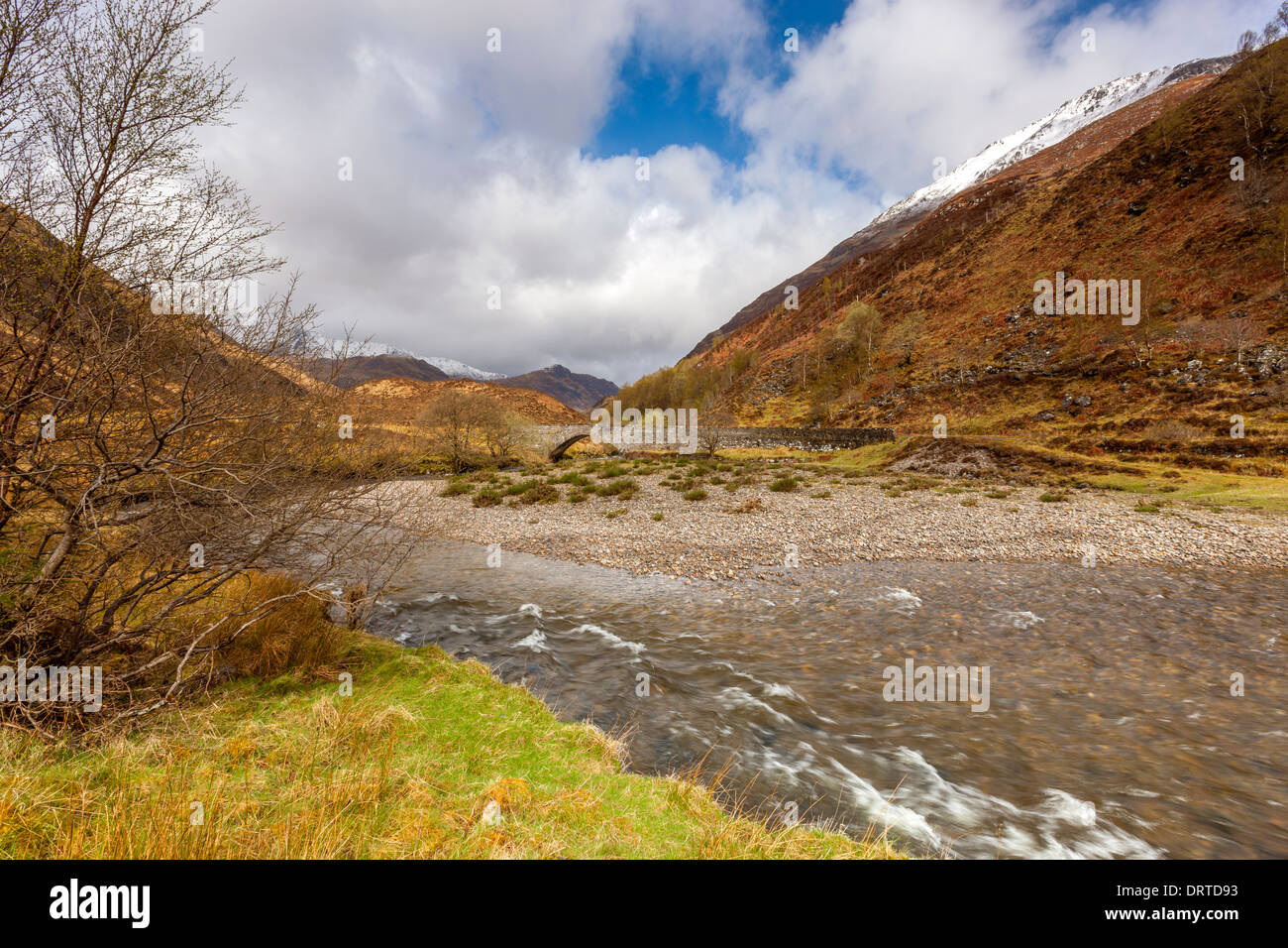 Eas-nan-Arm Bridge over River Shiel in Glen Shiel (near to the location of the 1719 battle site), north west Highland, Scotland. Stock Photo