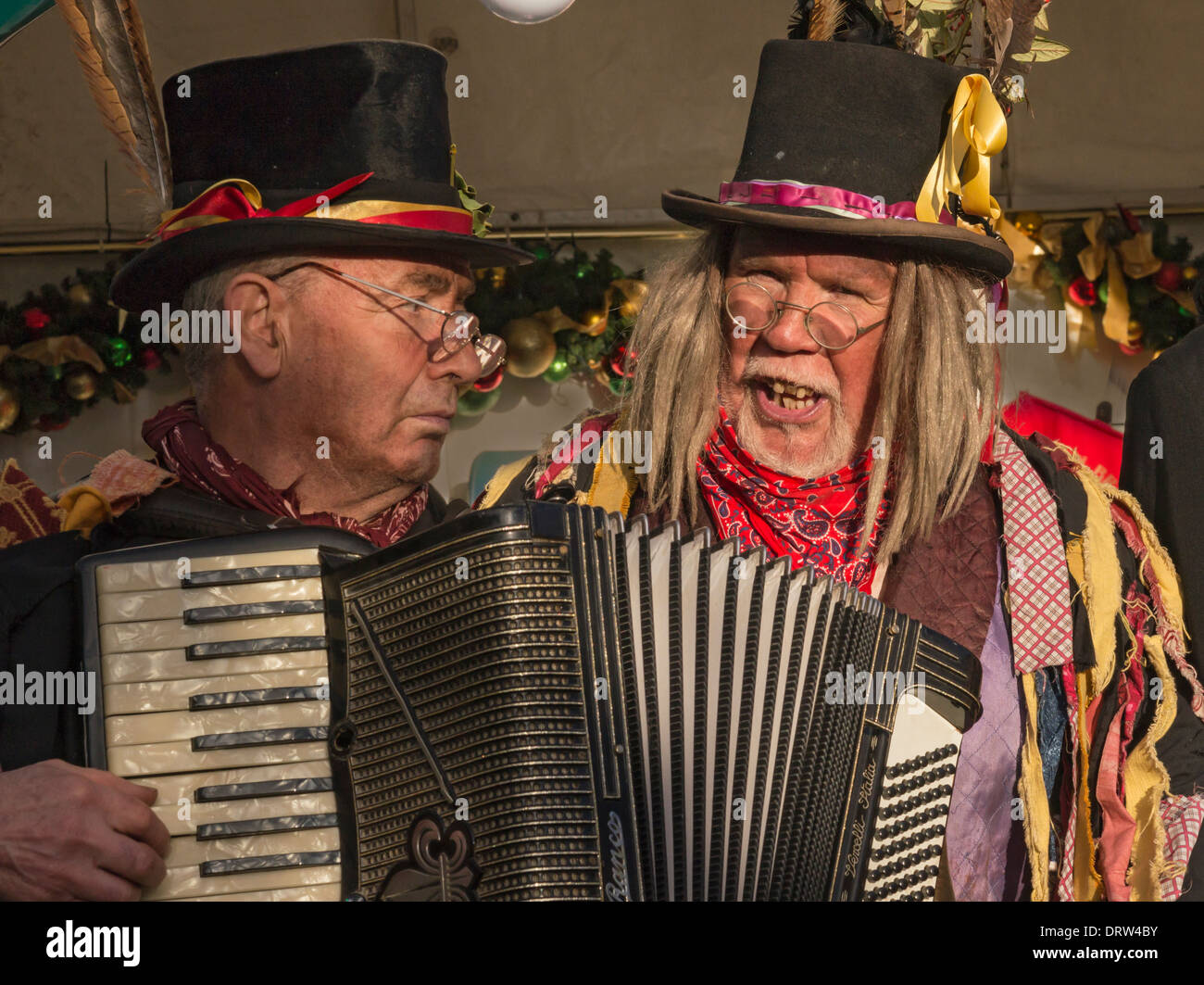 Members of the Penny Plain Theatre Company performing 'Hardcastle's Christmas Capers' at Grassington. - Stock Image