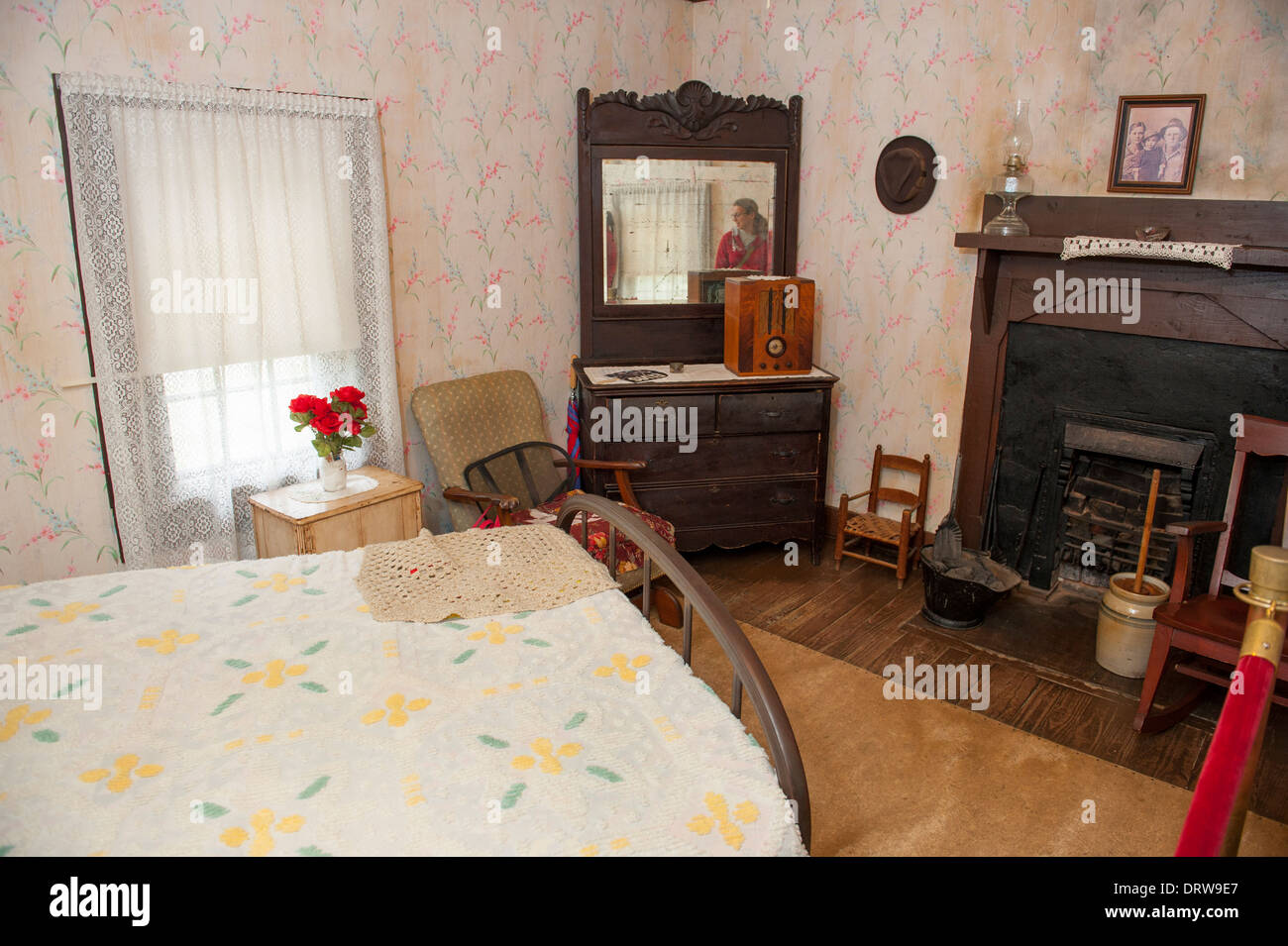 USA Mississippi MS Miss Tupelo Elvis Presley birthplace home birth interior of the bedroom - Stock Image