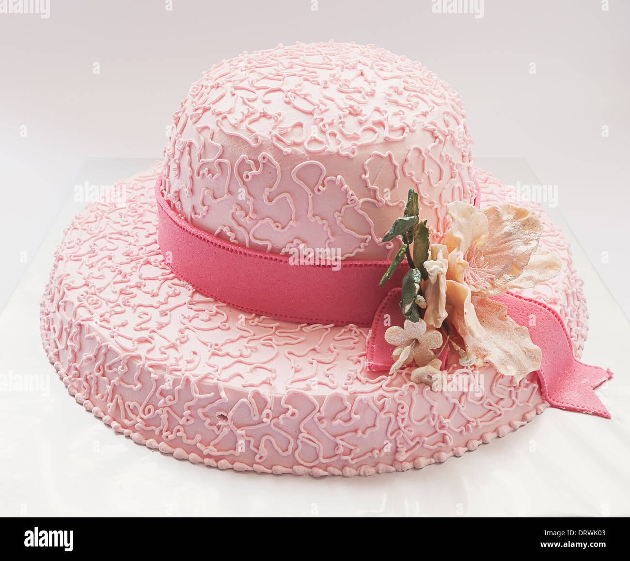 Stupendous Birthday Cake Looks Like Hat In Pink Color And Flower Made Of Funny Birthday Cards Online Alyptdamsfinfo