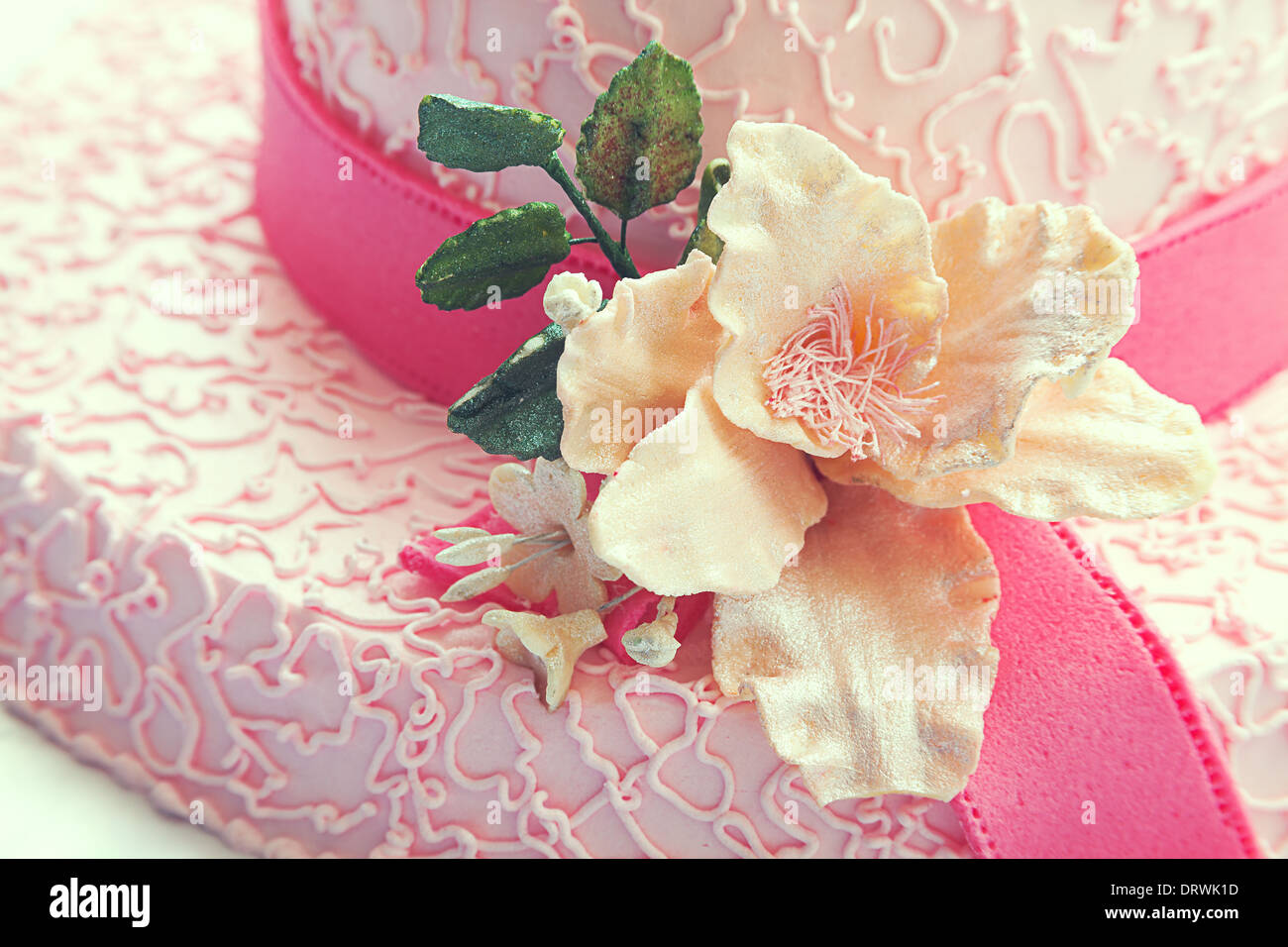 Terrific Birthday Cake Looks Like Hat In Pink Color And Flower Made Of Funny Birthday Cards Online Alyptdamsfinfo