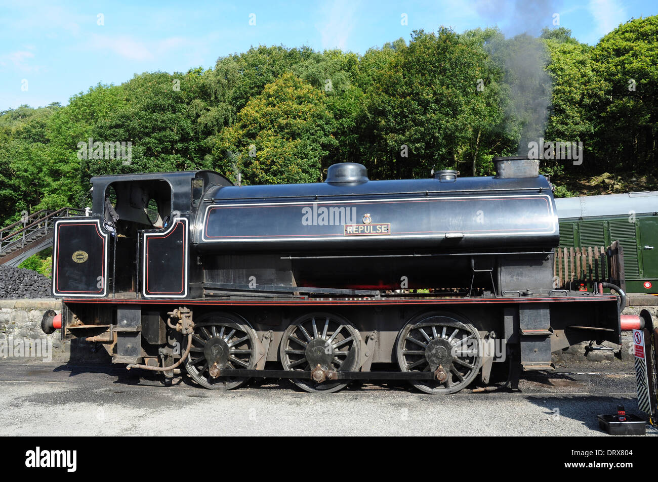 Saddle tank 'Repulse' with Giesl oblong ejector and chimney on the Lakeside & Haverthwaite Railway, Cumbria, England, UK - Stock Image
