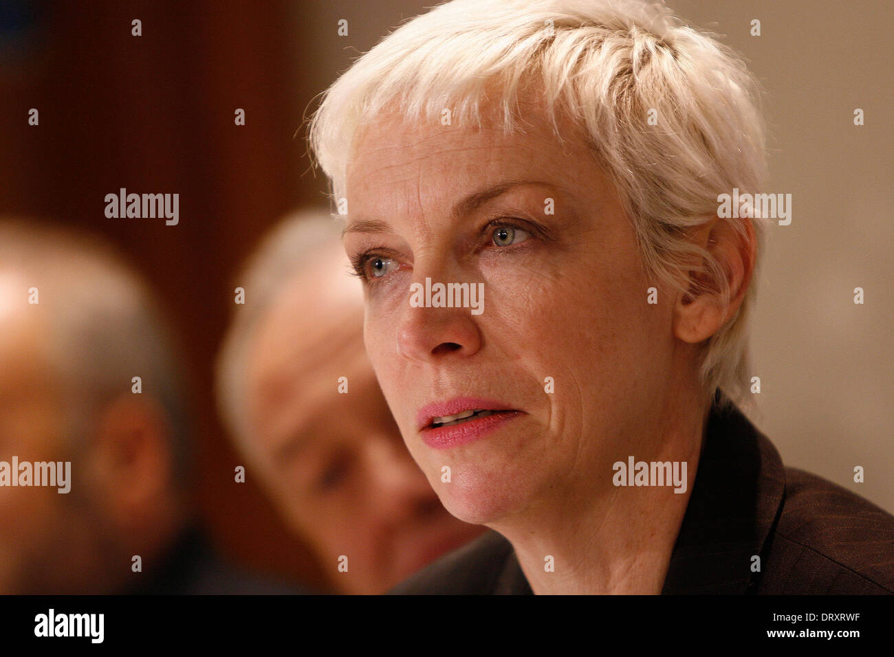 A tearful singer Annie Leenox talking at Gaza press conference in London - Stock Image