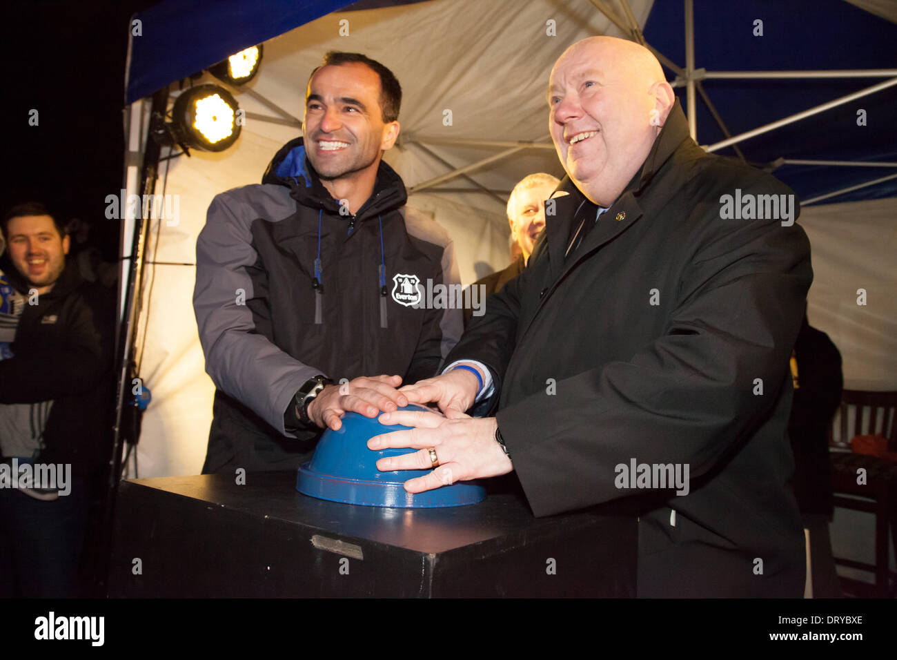 Liverpool, UK. 4th February 2014. Everton manager Roberto Martinez and Liverpool Mayor Joe Anderson switch on a new Everton crest projection in Liverpool. Credit:  Adam Vaughan/Alamy Live News - Stock Image