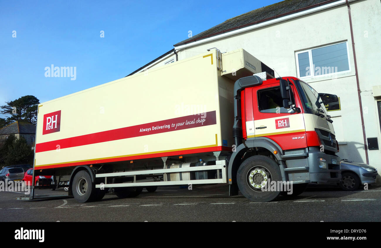 a Palmer & Harveys distribution company delivery truck - Stock Image