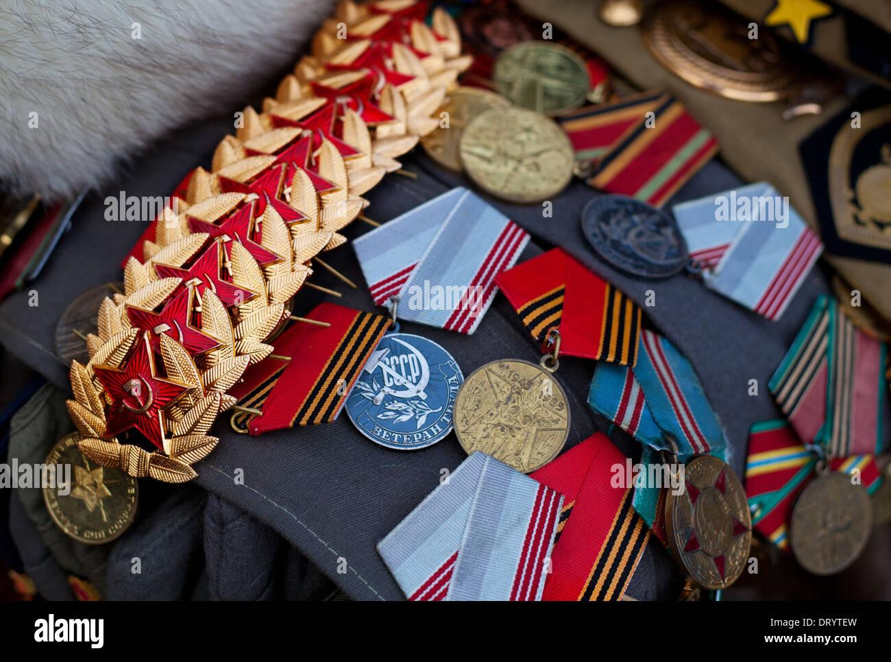Soviet Union militaria offered at souvenir shop - Stock Image