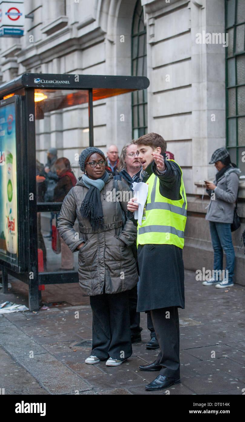 London Travel Advice >> London Uk Transport For London Staff Providing Travel Advice For