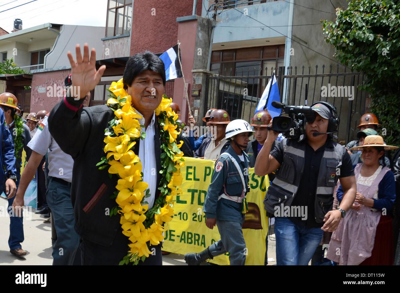 Cochabamba, Bolivia. 5th Feb, 2014. Bolivia's President Evo Morales attends the handover ceremony of the new headquarters of the Cochabamba Federation of Mining Cooperatives in Cochabamba, Bolivia, on Feb. 5, 2014. Credit:  R. Zaconeta/ABI/Xinhua/Alamy Live News - Stock Image