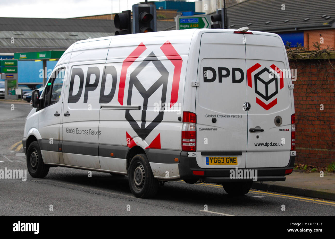 cbdedd86aa4557 Dpd Delivery Van Stock Photos   Dpd Delivery Van Stock Images - Alamy