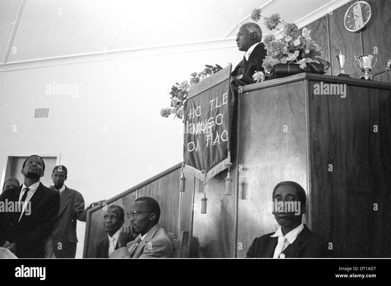 CONFIRMATION SERVICE IN TOWNSHIP CHURCH. 1995 VENTERSDORP SOUTH AFRICA PHOTO/JOHN ROBINSON - Stock Image