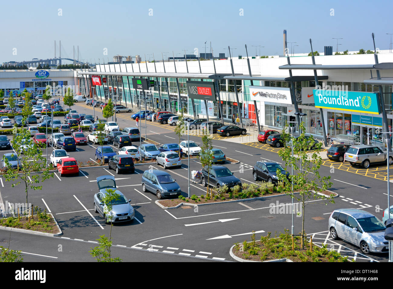 free car parking facilities at lakeside retail park. Black Bedroom Furniture Sets. Home Design Ideas