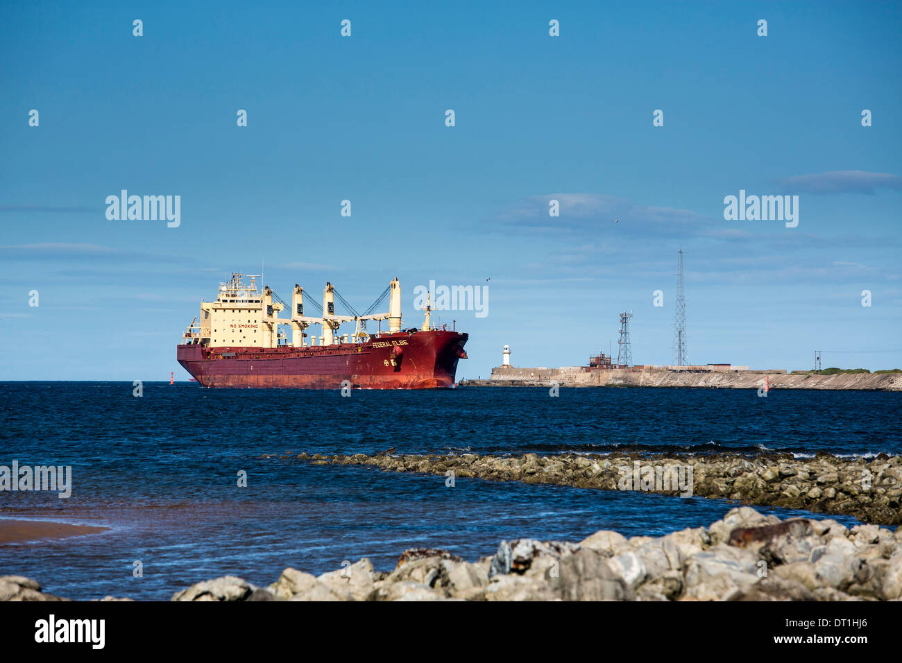 Federal Elbe bulk carrier entering the River Tees - Stock Image