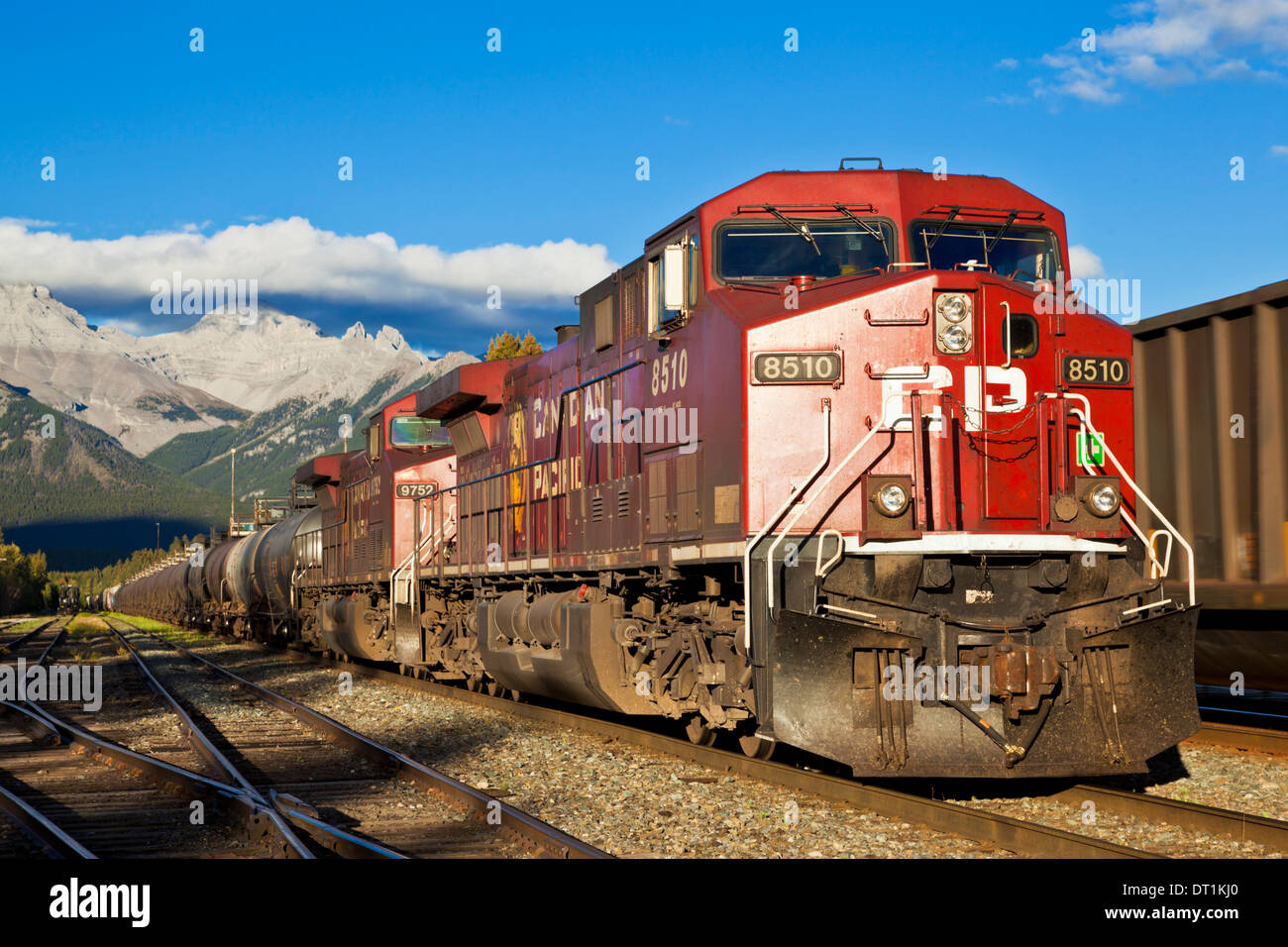 Canadian Pacific freight train locomotive at Banff station, Banff National Park, Canadian Rockies, Alberta, Canada - Stock Image