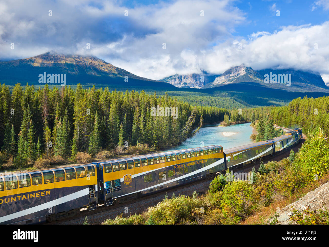 Rocky Mountaineer train at Morant's curve in the Canadian Rockies, Banff National Park, UNESCO Site, Alberta Canada - Stock Image
