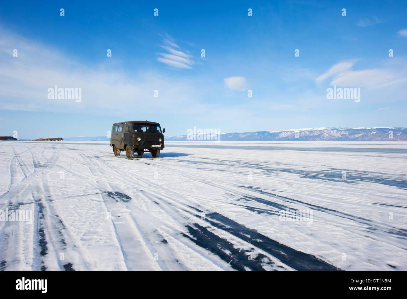 Driving on the lake, Maloe More (Little Sea), Olkhon island, Lake Baikal, UNESCO Site, Irkutsk Oblast, Siberia, Russia - Stock Image
