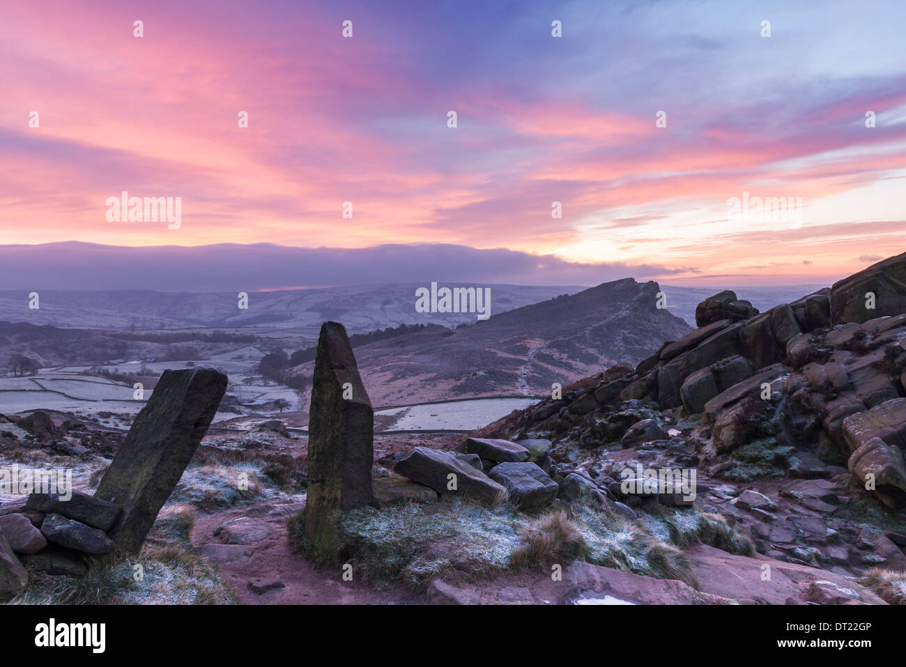 Winter sunrise over Hen Cloud, The Roaches, Staffordshire Moorlands - Stock Image