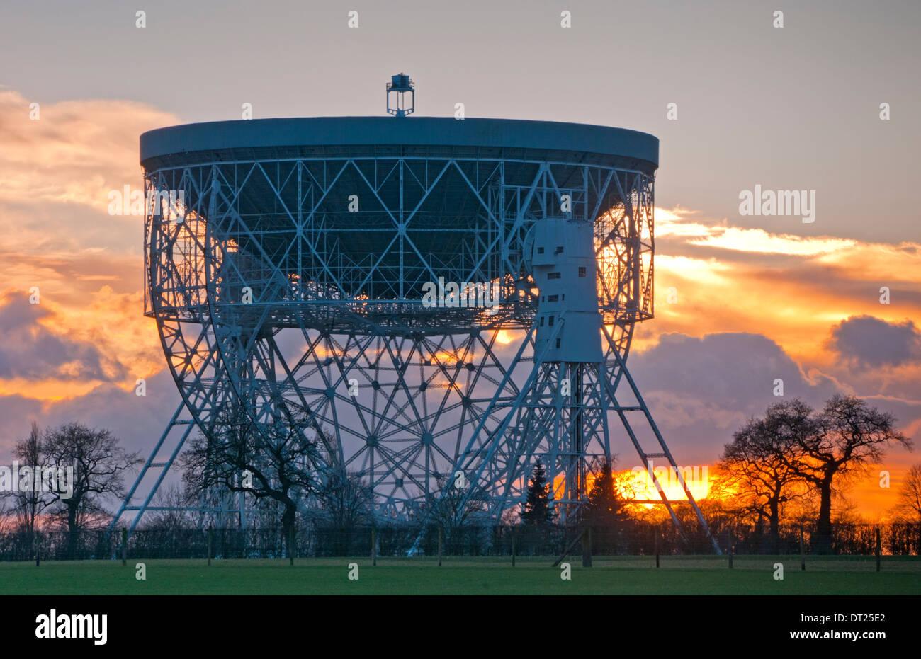 Jodrell Bank Telescope at Sunset, Near Holmes Chapel, Cheshire, England, UK - Stock Image