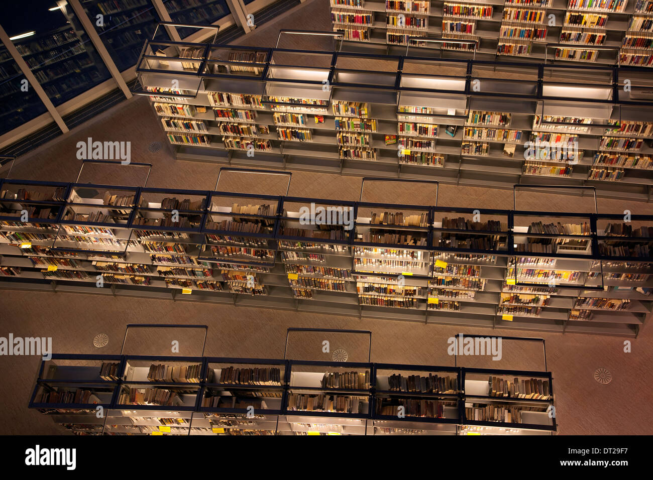 WASHINGTON - View of the book shelves in the downtown Seattle Public Library building. - Stock Image