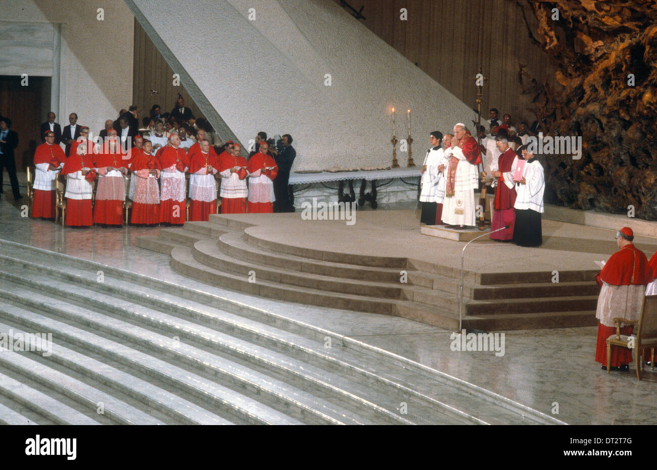 POPE SAINT JOHN PAUL 11 WITH NEWLY APPOINTED CARDINALS VATICAN CITY ROME ITLAY - Stock Image